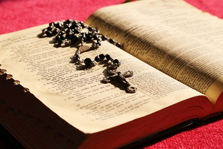 Catholic Speaker and author Gary Zimak discusses 5 Bible verses for those who are worried about the world